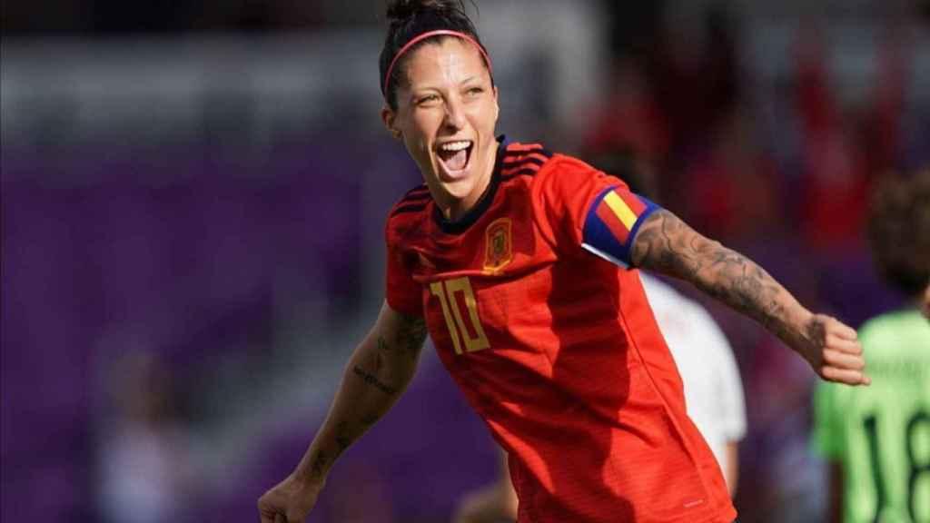 Jenni Hermoso celebrando un gol con la selección.