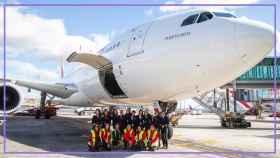 Dieciséis de las 22 mujeres que han estado involucradas en el vuelo de Iberia para magasIN.