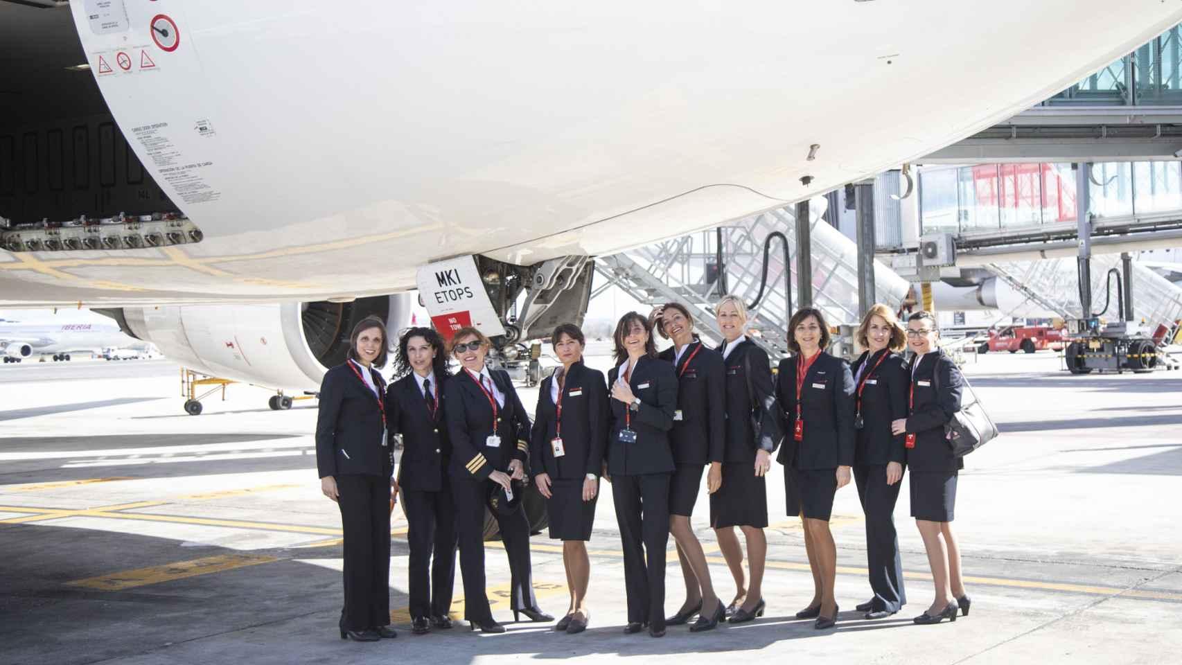 La tripulación espacial de Iberia para el 8-M