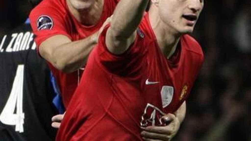 Nemanja Vidic y Rio Ferdinand, en un partido del Manchester United
