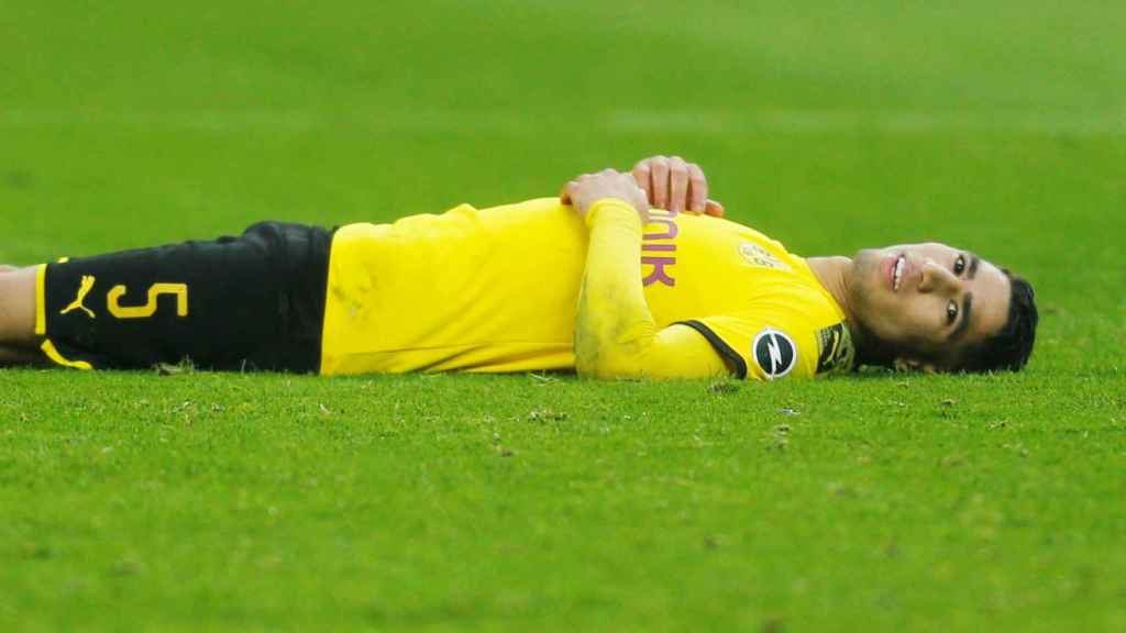 Achraf Hakimi, en un partido del Borussia Dortmund