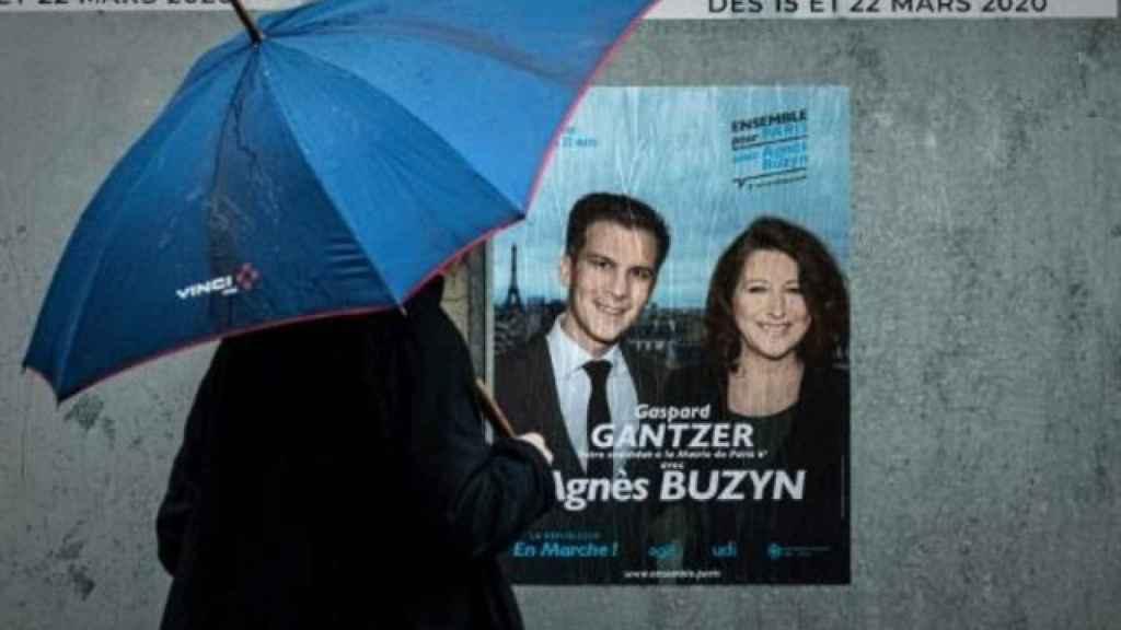 Un cartel electoral de la candidata de La República en Marcha a la alcaldía de París,  Agnès Buzyn.