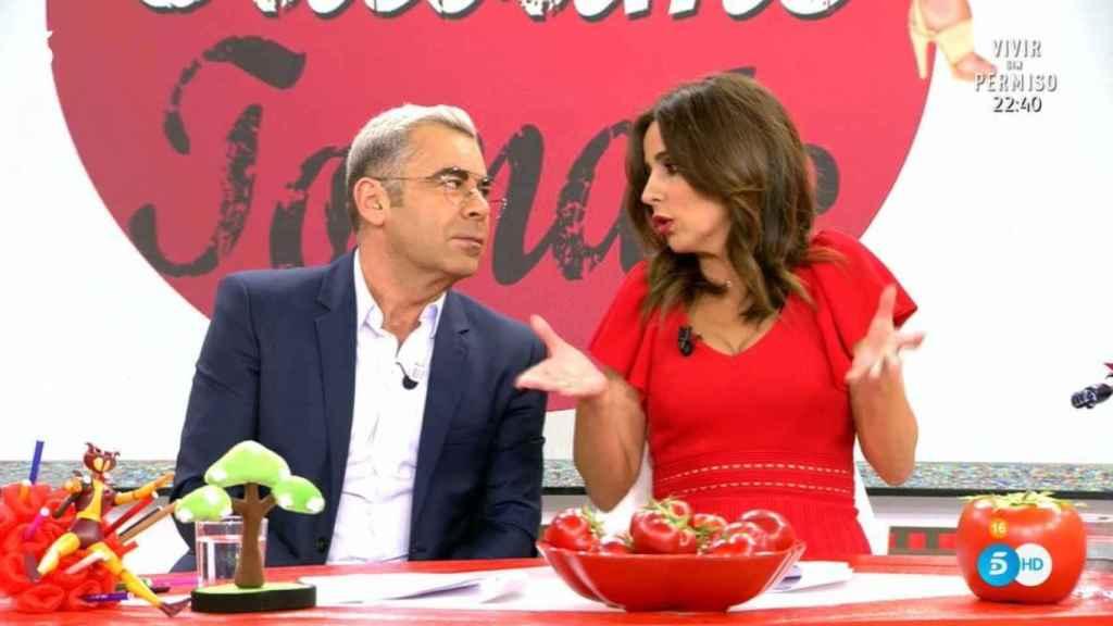 Jorge Javier y Carmen Alcayde en 'Sálvame Tomate'.