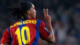 Ronaldinho durante un partido con el FC Barcelona