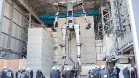 El esqueleto del Gundam, en proceso de fabricación