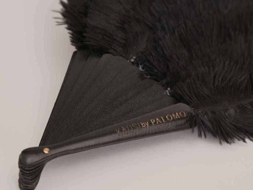 Uno de los modelos con plumas naturales que han lanzado Palomo y Kausi.