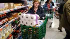 Luisa ha acudido a Mercadona a comprar gel desinfectante y se ha encontrado con el supermercado lleno.