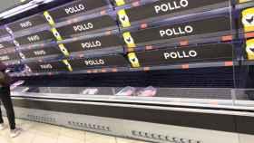 Muchas estanterías de supermercados se han vaciado durante estas semanas por el coronavirus.