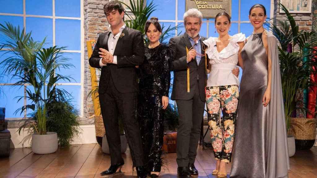 Tamara Falcó con Palomo Spain, María Escoté, Lorenzo Caprile y Raquel Sánchez Silva.