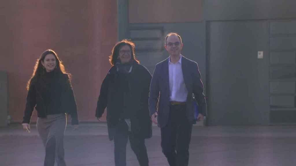Jordi Turull saliendo este martes de la prisión de Lledoners.