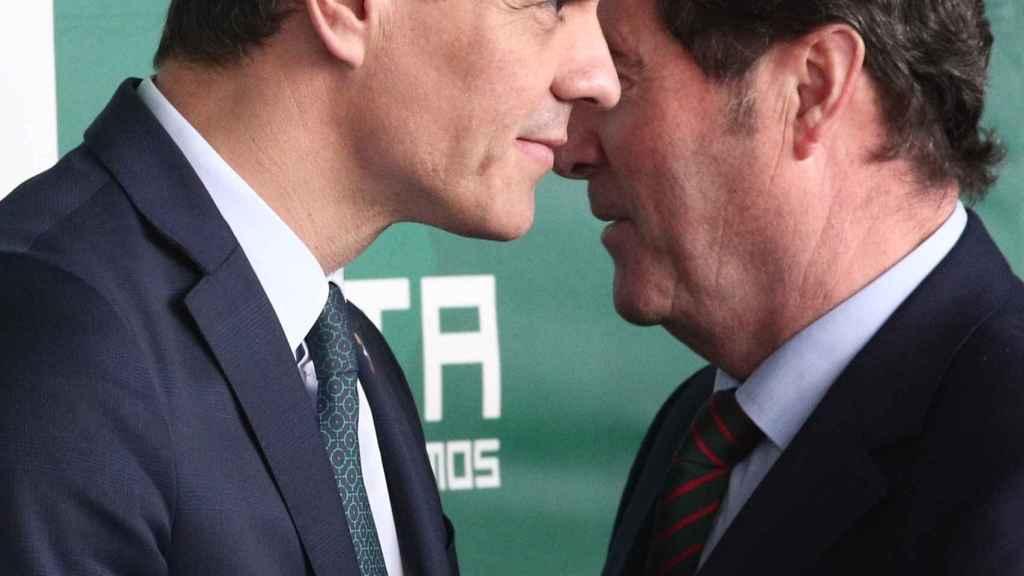 Pedro Sánchez y Antonio Garamendi.