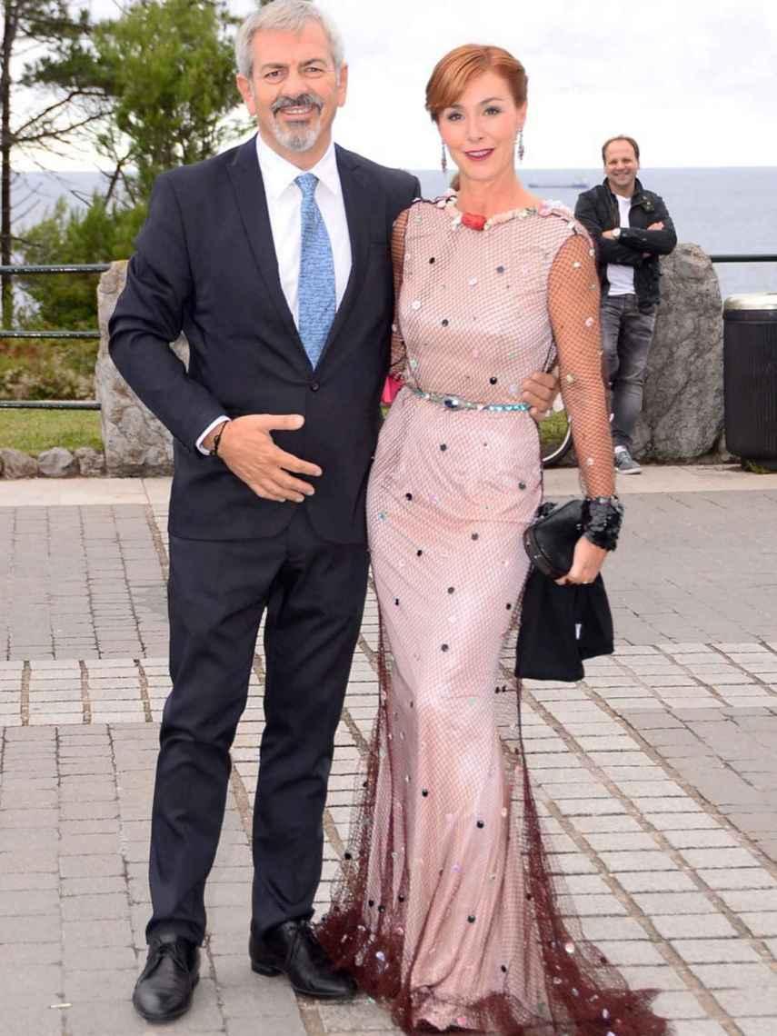 Carlos Sobera y su mujer Patricia Santamarina durante la boda de Marta Hazas y Javier Veiga en Santander.