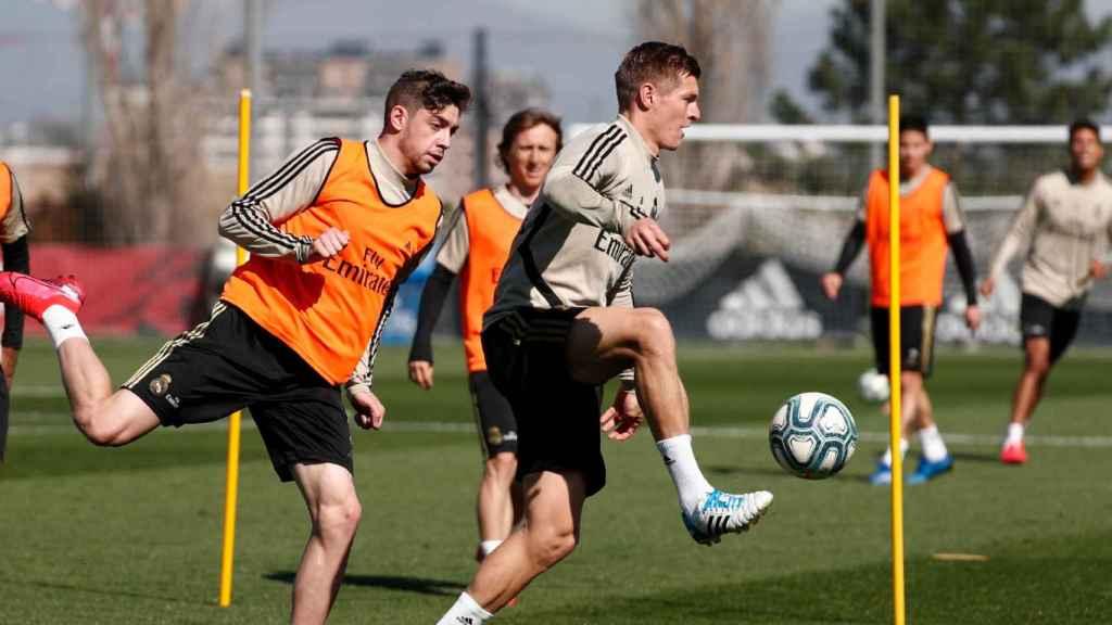 Los jugadores del Real Madrid durante un entrenamiento