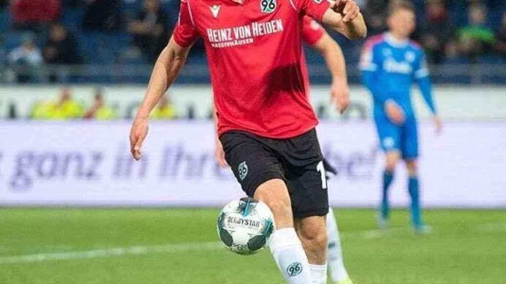 Timo Hübers, jugador del Hannover 96