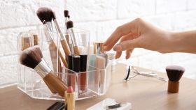 6 ideas para organizar tu tocador de maquillaje