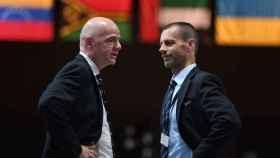 Infantino, presidente de la FIFA, y Ceferin, presidente de la UEFA