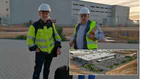 Dos trabajadores del nuevo proyecto de Amazon en Dos Hermanas (Sevilla)