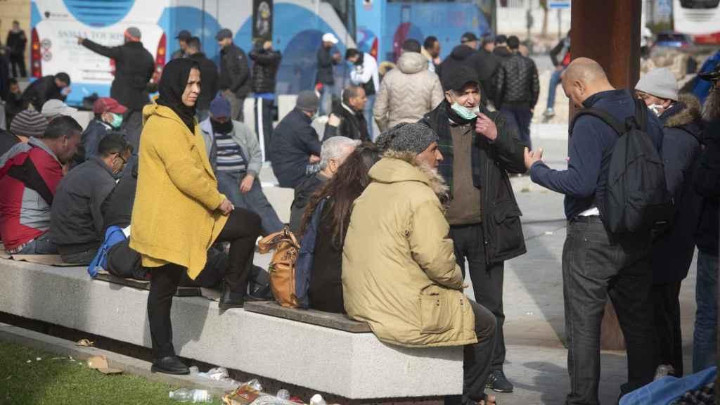 Grupo de marroquíes llegados a Algeciras durante el fin de semana desde Italia y Francia.