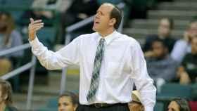Chris Kielsmeier, entrenador de Viking Athletics (baloncesto universitario de Estados Unidos)