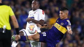 Jorman Campuzano durante un partido con Boca Juniors