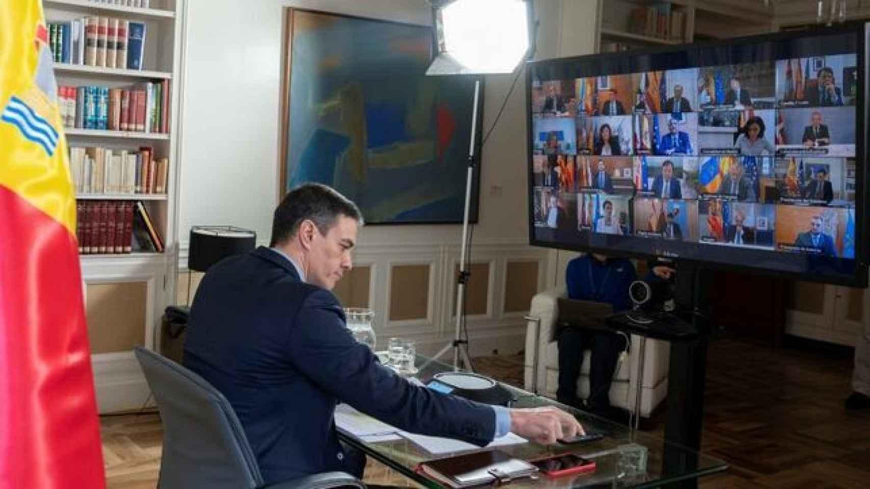 Pedro Sánchez, durante su conferencia con los presidentes autonómicos.
