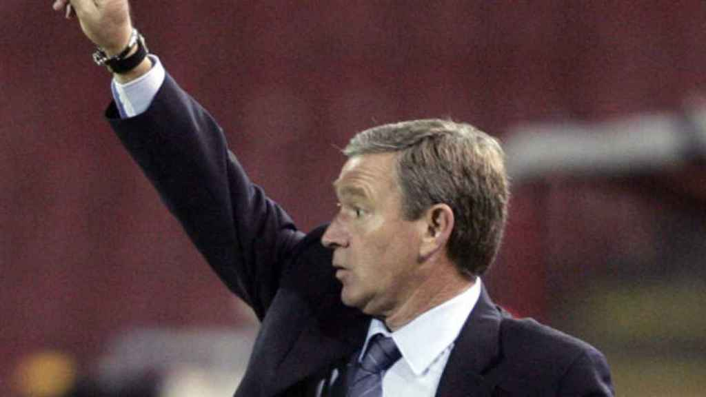Javier Clemente dirigiendo un partido como entrenador