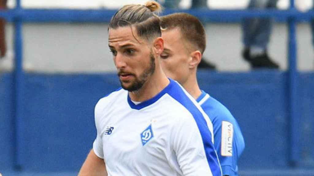 Fran Sol, con la camiseta del Dinamo de Kiev
