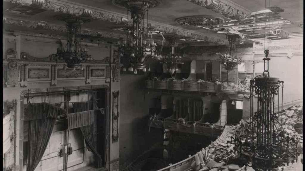 Efectos de los bombardeos de la guerra en el cine Ópera.