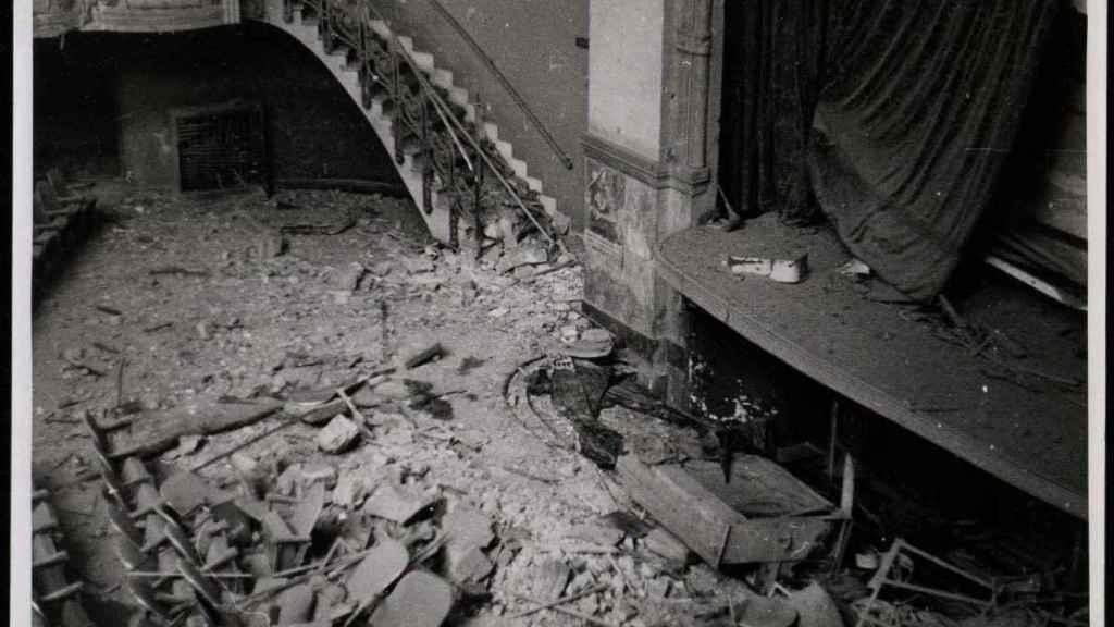 Cine Ópera de Madrid después de las bombas.