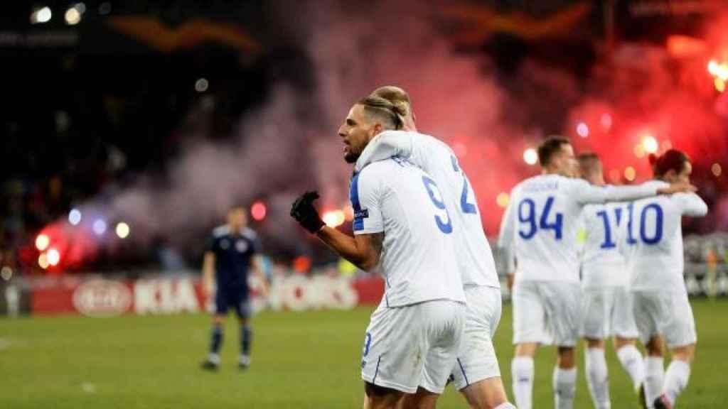 Fran Sol celebra un gol en la Europa League con el Dinamo de Kiev