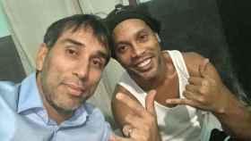 Pipino Cuevas con Ronaldinho