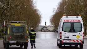 Efectivos de la UME desplegados por las calles del centro de Valladolid.