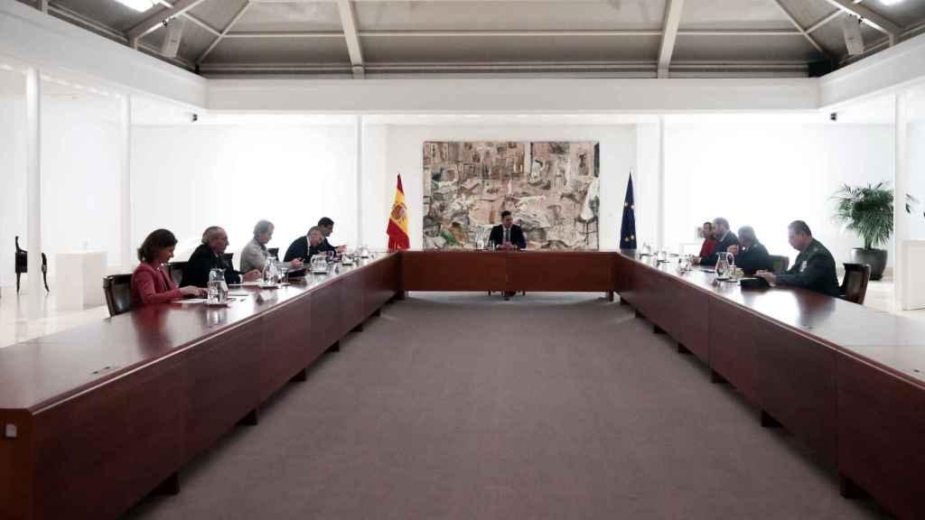 El presidente del Gobierno, reunido en Moncloa con los directores técnicos de los ministerios autoridad en el estado de alarma.