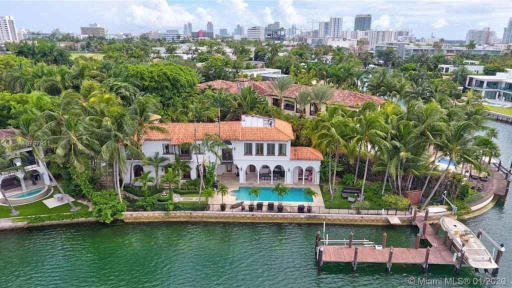 Vista exterior de la mansión de Alejandro Sanz en Miami.