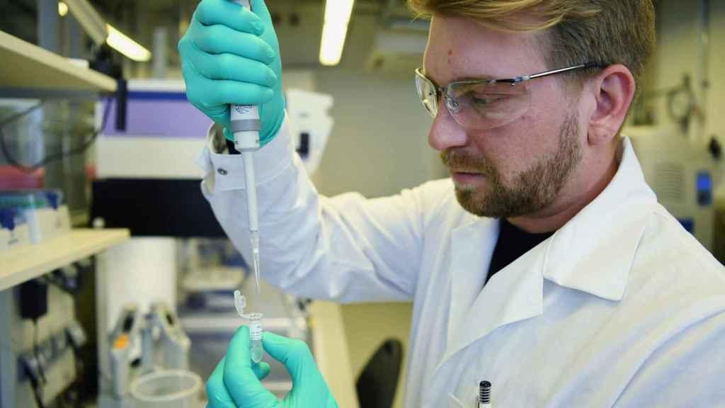 Uno de los investigadores del laboratorio alemán CureVac.