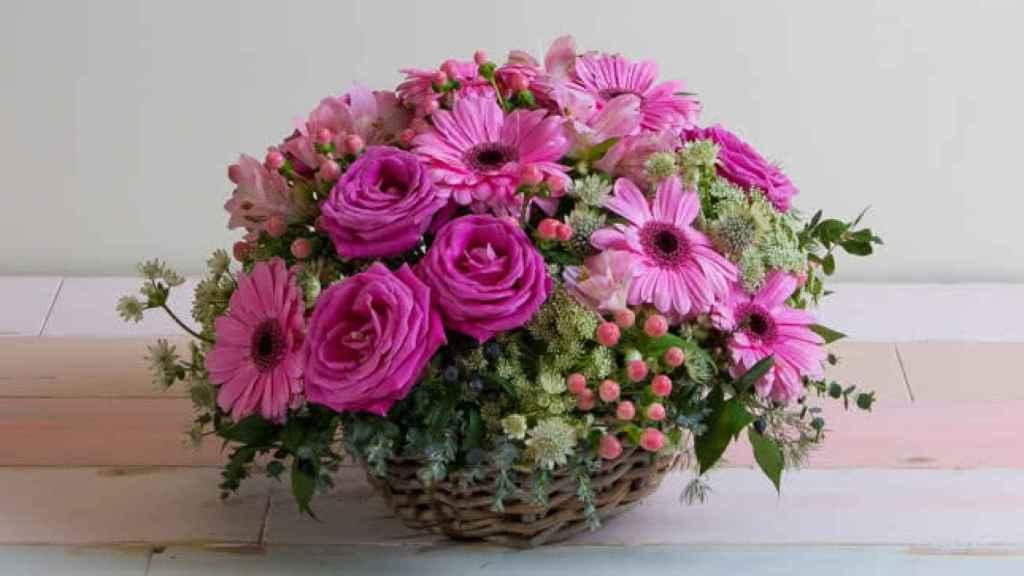 Varios estudios demuestran los beneficios para la salud mental de tener flores en casa.