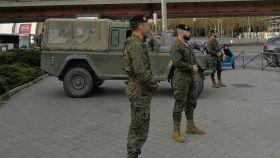 Brigada XII Guadarrama monta guardia en la zona de Nuevos Ministerios (Madrid).