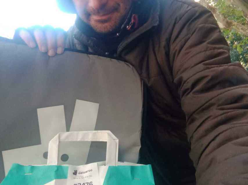 Camilo Barrios, rider de Deliveroo.