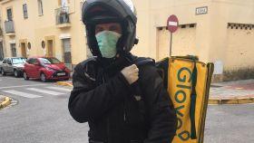 Álvaro, rider de Glovo en Sevilla.