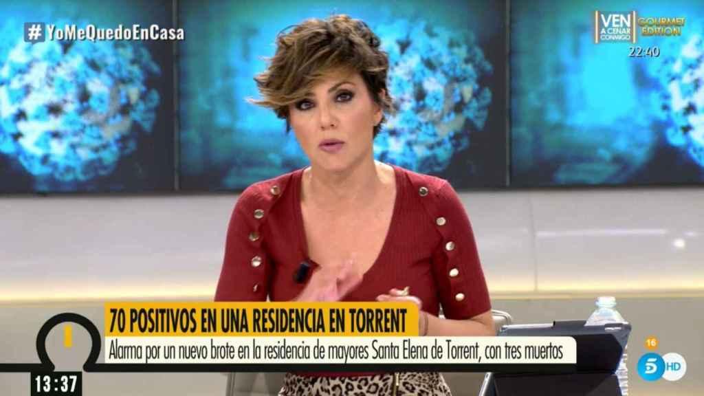 La presentadora se mostró visiblemente emocionada al informar sobre el coronavirus.