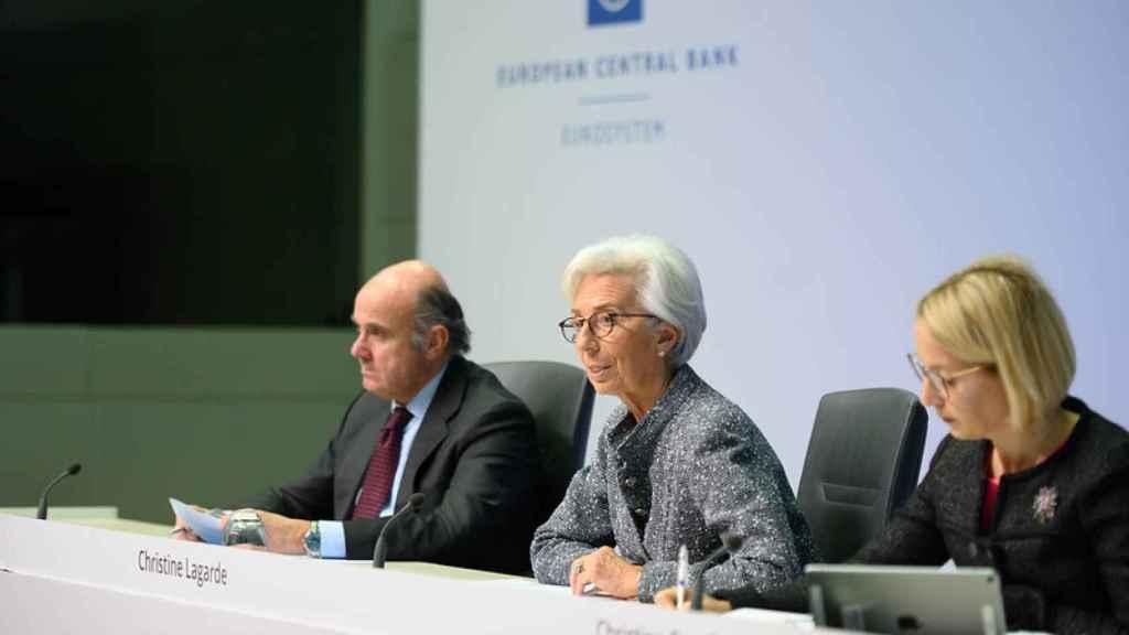 La presidenta del BCE, Christine Lagarde, junto al vicepresidente Luis de Guindos.