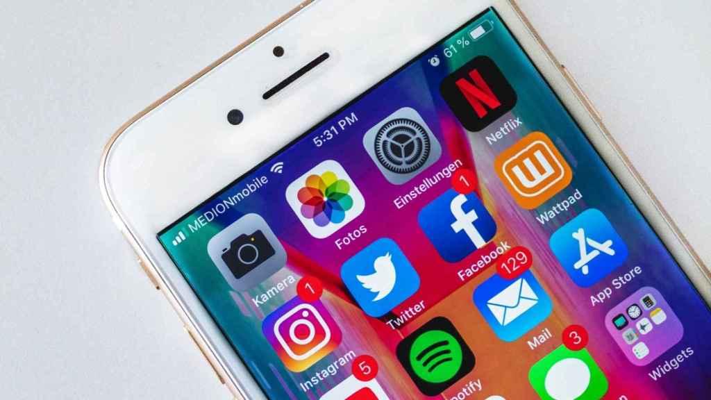 Redes sociales en iPhone.