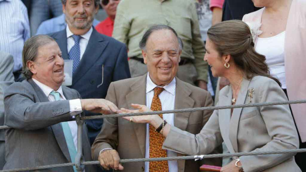 Fernando Falcó, Carlos Falcó y la infanta Elena en los toros.