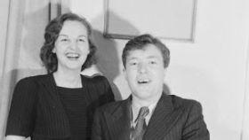 Jessica Mitford (izquierda) y Esmond Romilly (derecha).