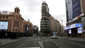 Imagen de la Gran Vía de Madrid vacía.