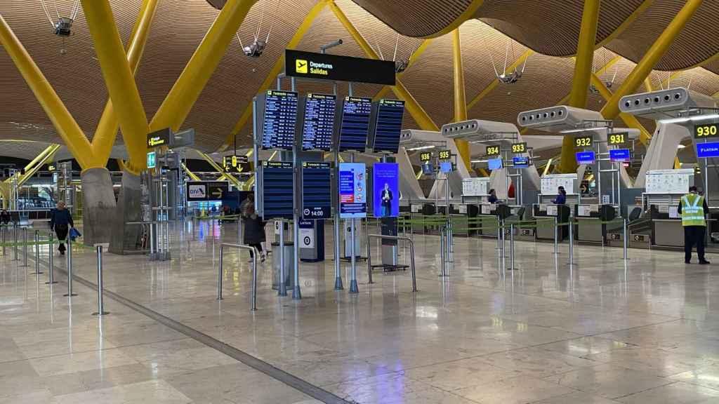 La T4 del aeropuerto de Barajas vacía.