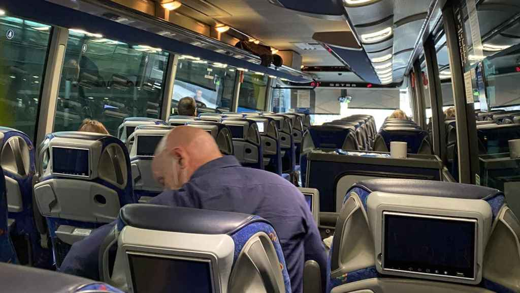 Autobús Madrid-Sansebastian prácticamente vacío.