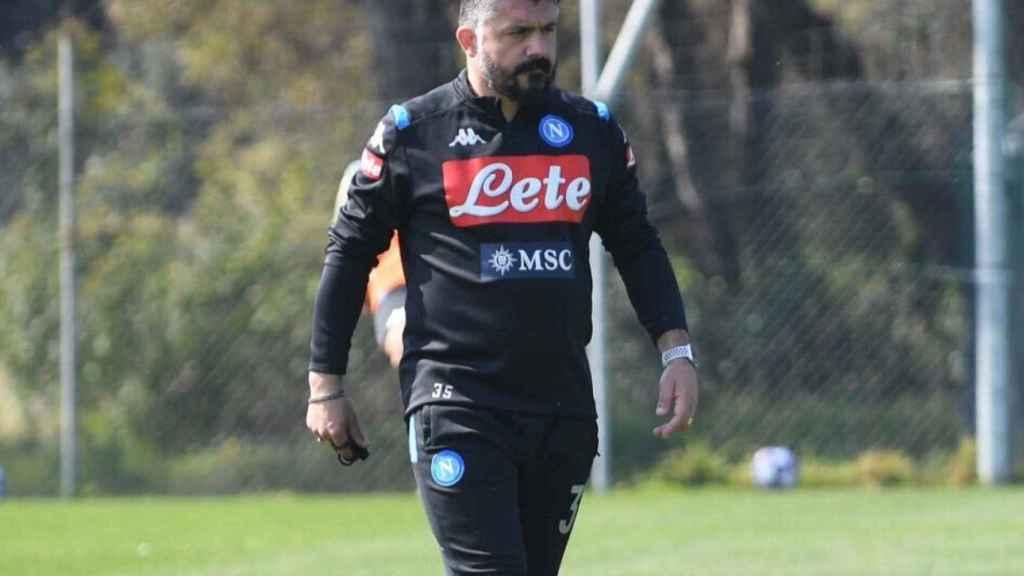 Gennaro Gatusso en un entrenamiento con el Nápoles