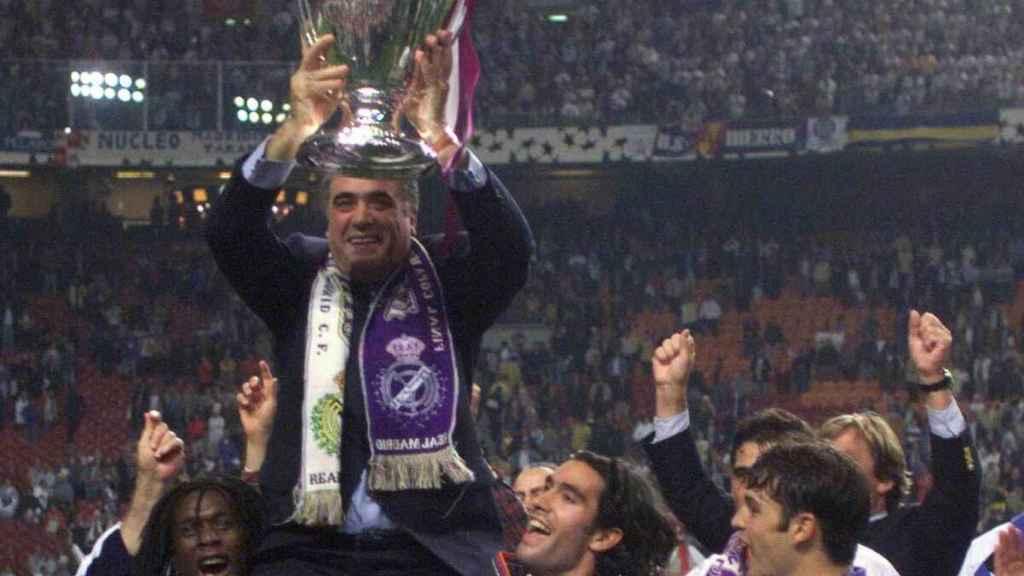 Lorenzo Sanz en la final entre el Real Madrid y la Juventus de Champions.