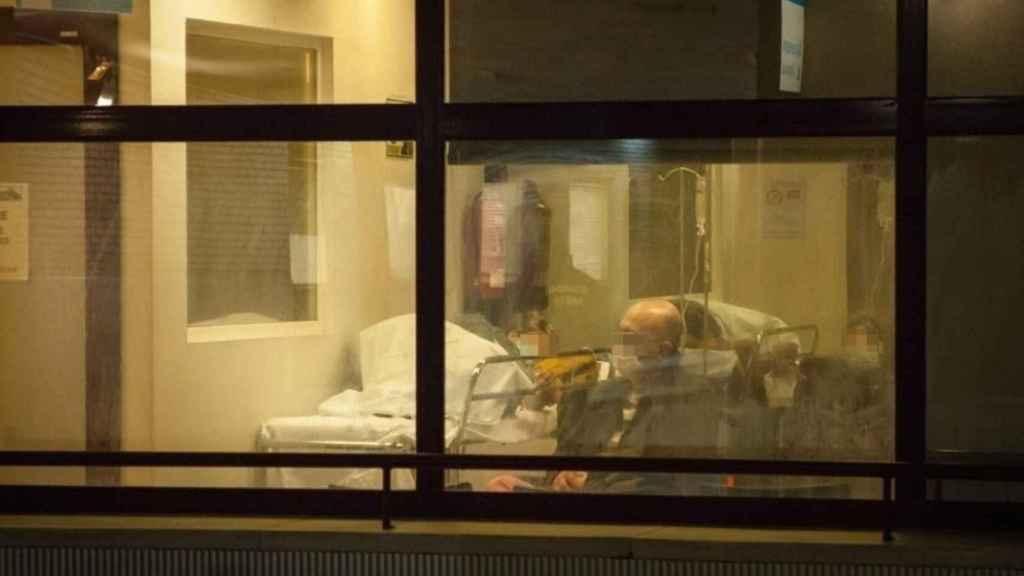 """Mi noche en el infierno de las Urgencias de 4 grandes hospitales de Madrid: """"De nuevo la guerra"""""""